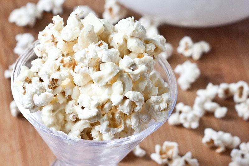 White Chocolate Popcorn - Backyard Movie Night