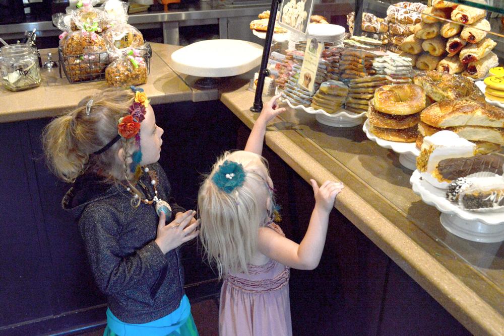 Carmel California bakery family visit - Mommy Scene