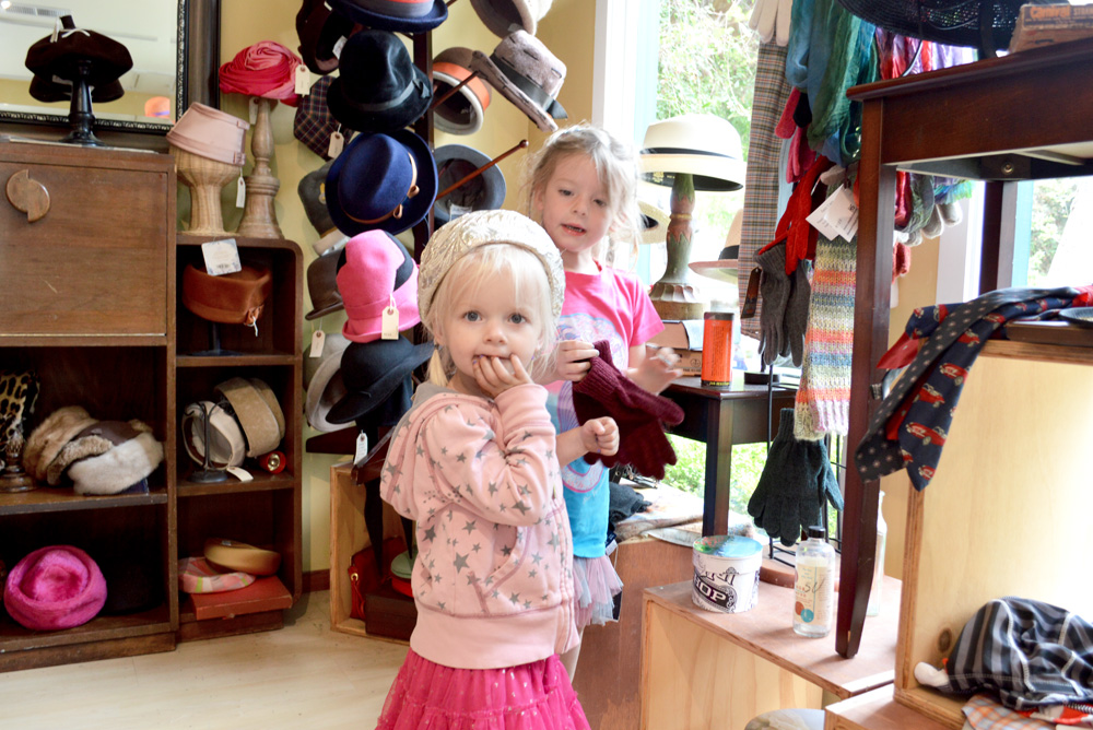 Carmel California hat shop family trip - Mommy Scene
