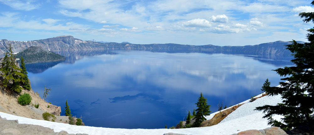 Crater Lake family travel destination in Oregon - Mommy Scene