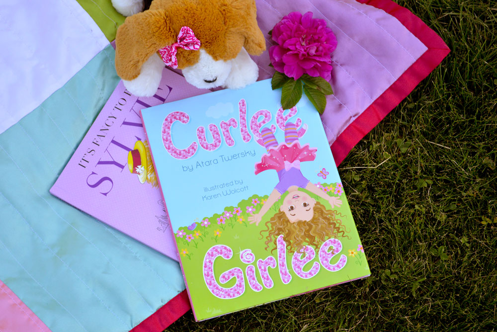 Curlee Girlee illustrated kids' book - Mommy Scene