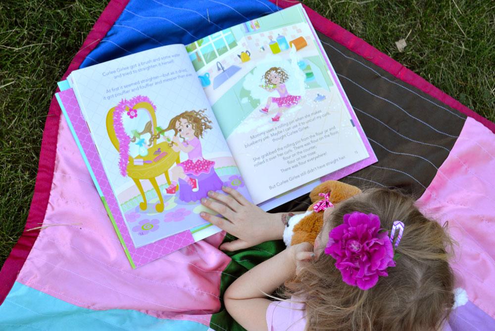 Curlee Girlee kids' book - Mommy Scene