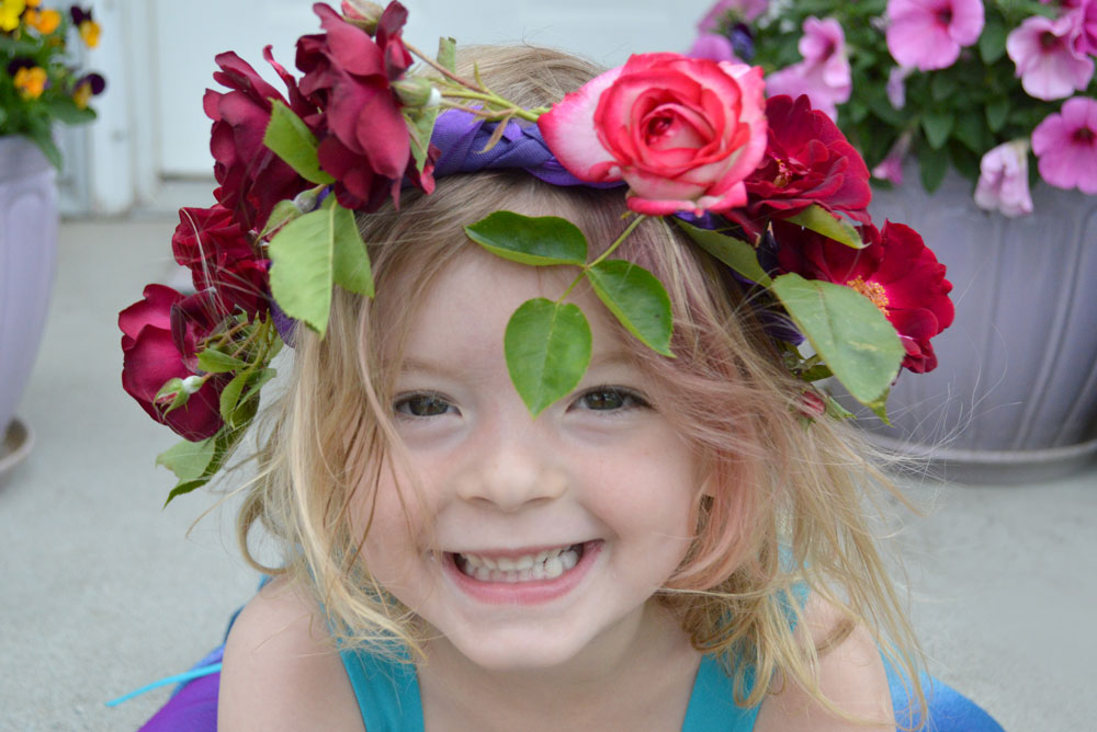 DIY Fresh Flower Rose Crown - Mommy Scene