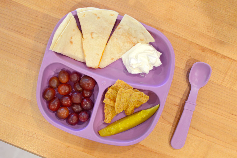 Re-Play kids' lunch plate - Mommy Scene