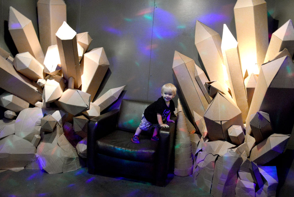10 San Francisco Family Activities - Exploratorium cardboard crystals - Mommy Scene