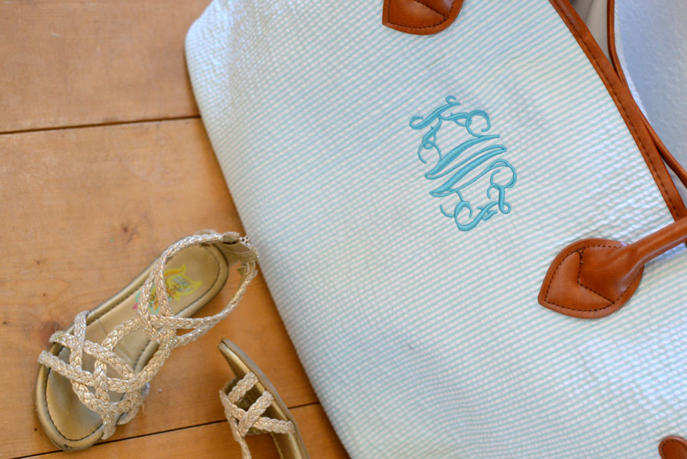 KraftyChix Monogrammed Tote Bag for on the go storage - Mommy Scene