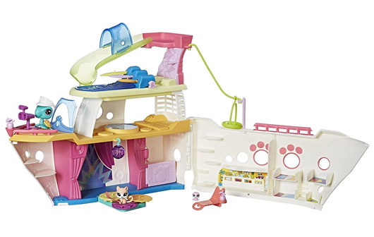 Littlest Pet Shop cruise ship Mommy Scene Holiday Gift Guide
