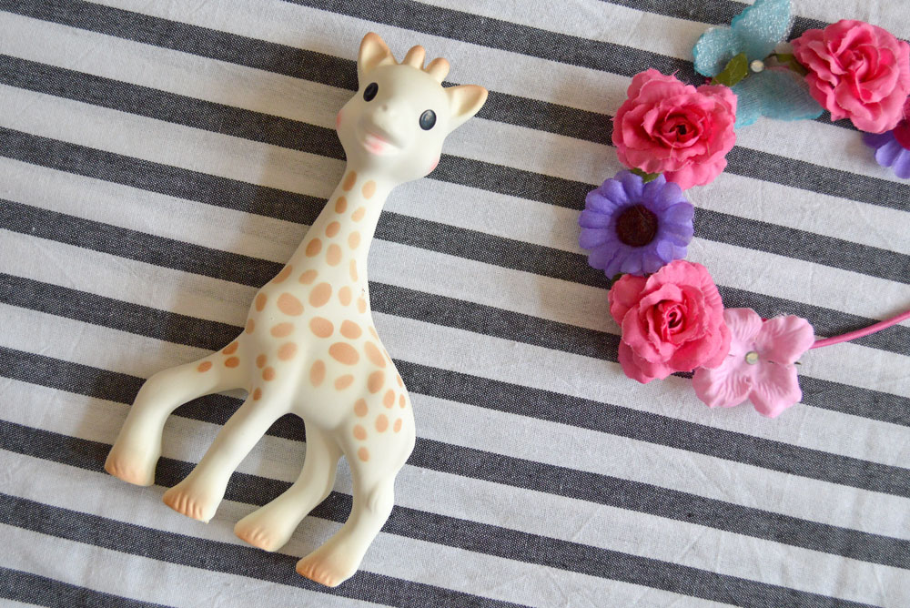 Sophie the Giraffe baby teether - Mommy Scene