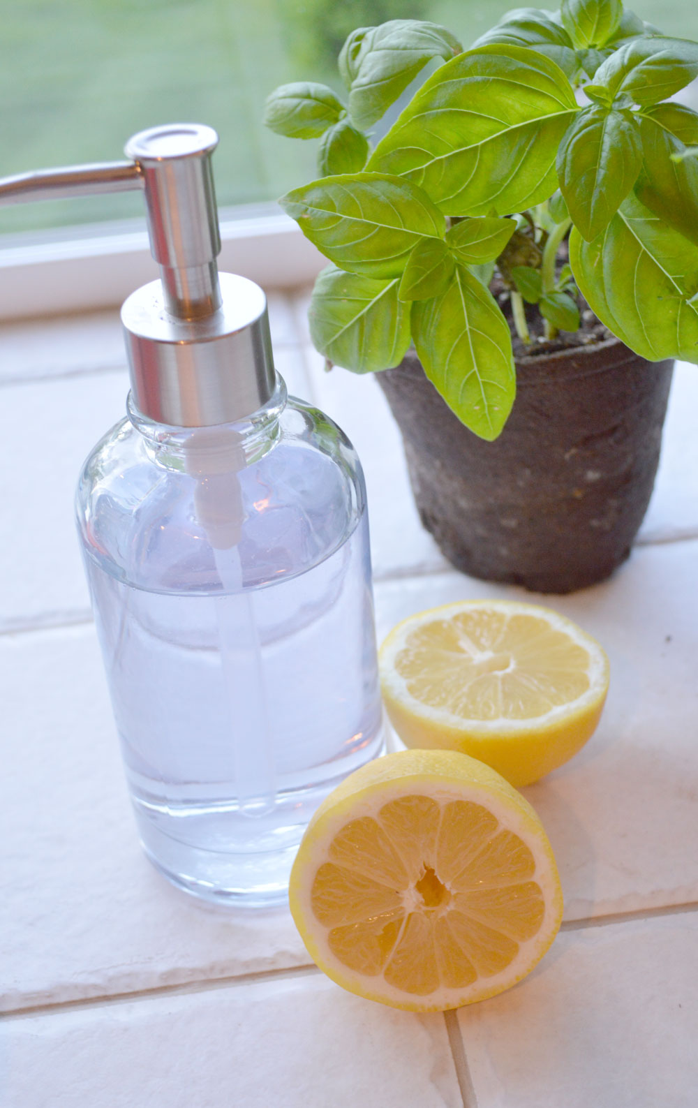 Cleaning with lemon - tips to degrease your sink and stove - Mommy Scene