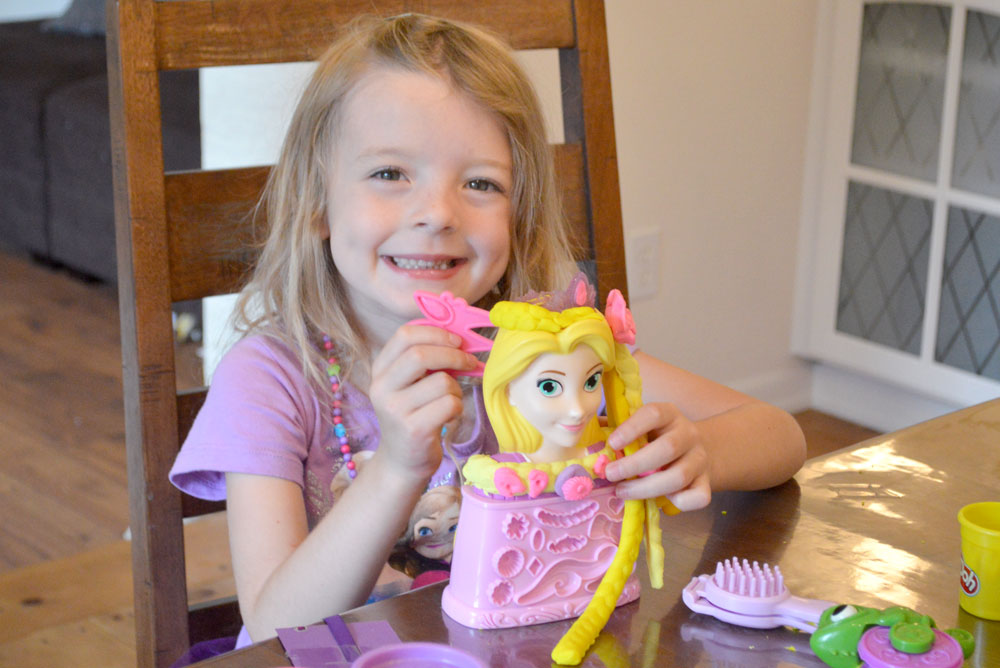 Play-Doh Rapunzel Hair Style play set - Mommy Scene