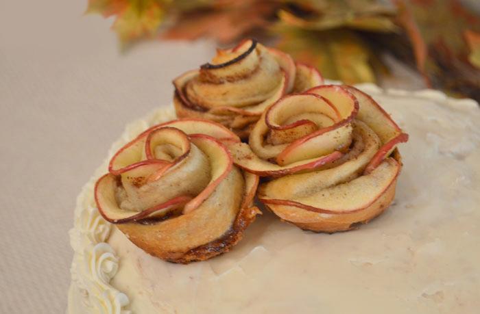 Homemade Apple Roses for dessert decorations or snacks - Mommy Scene