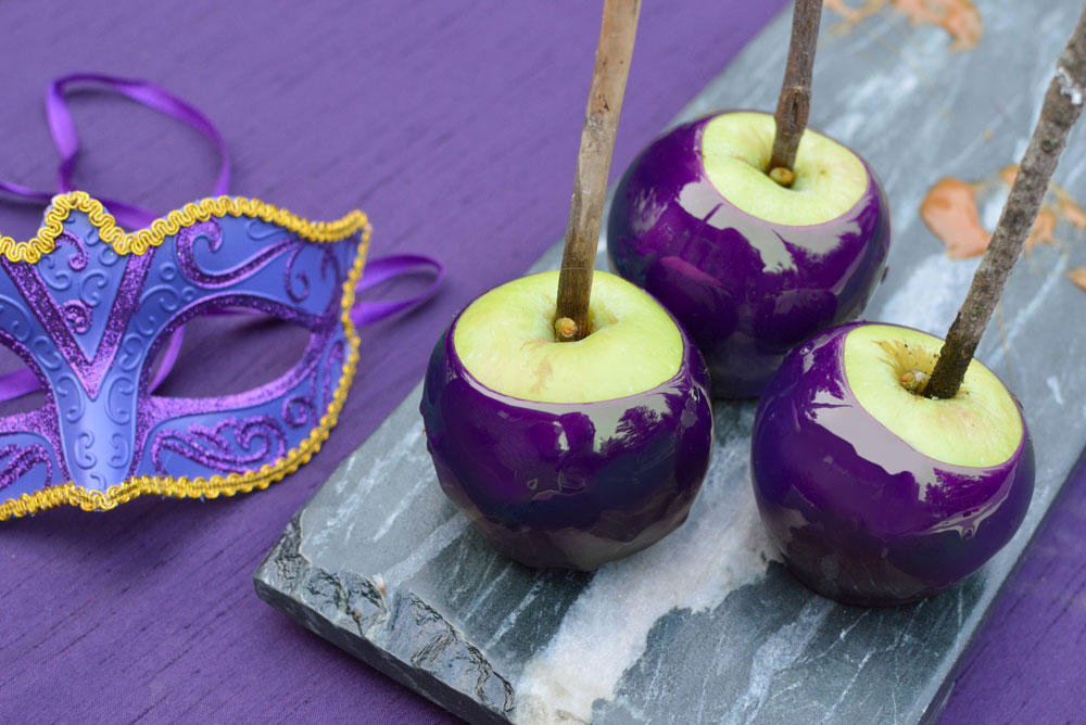 Homemade candy coated apples - Mommy Scene