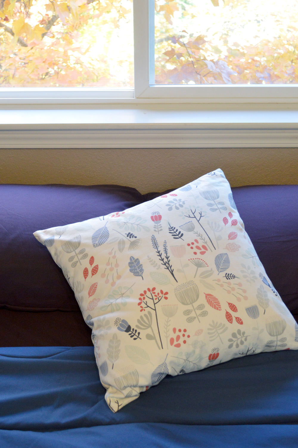 Minted printed throw pillow - Mommy Scene