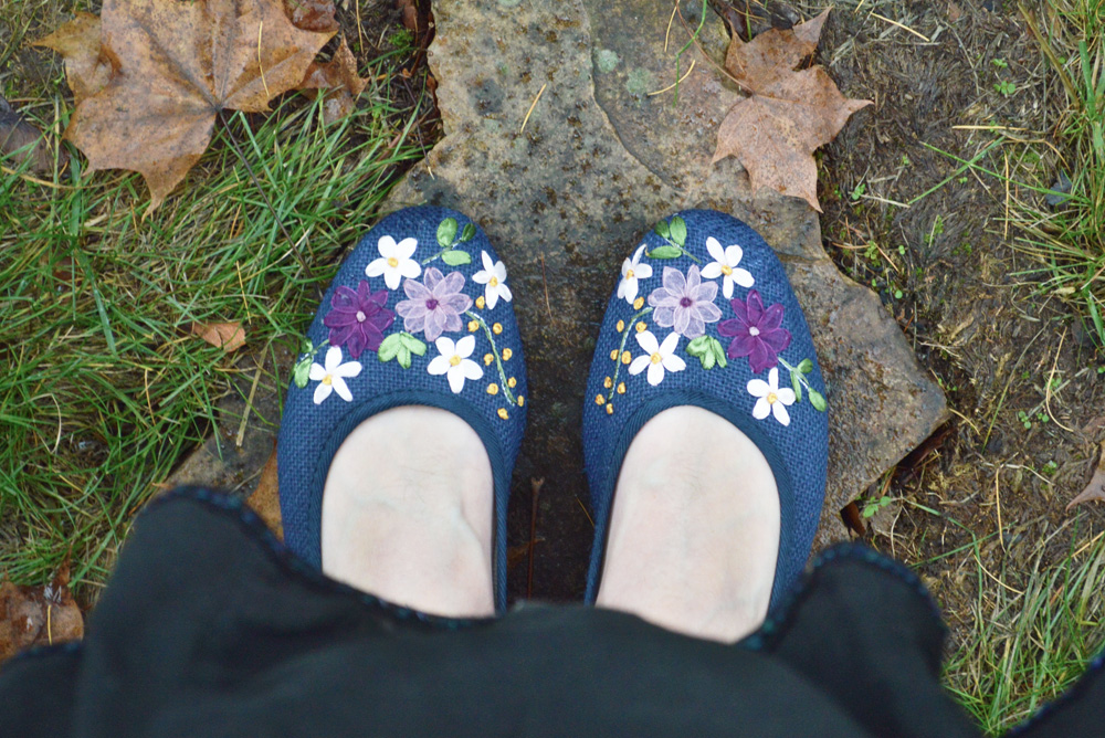 Top Tier Style vintage flower shoes