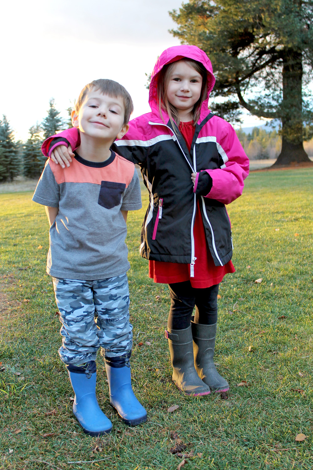 Kamik Kids Glitzy and Drizzly Rain Boots - Mommy Scene