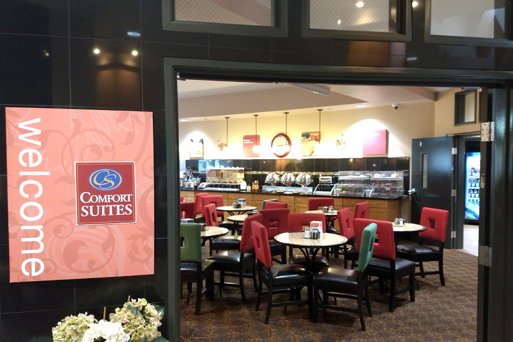 Comfort Suites Tukwila great family hotel with hot breakfast - Mommy Scene