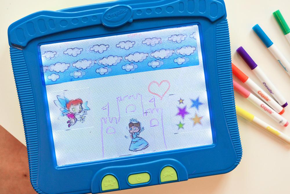 Crayola Magic Scene Creator STEM Activity for Kids - Mommy Scene
