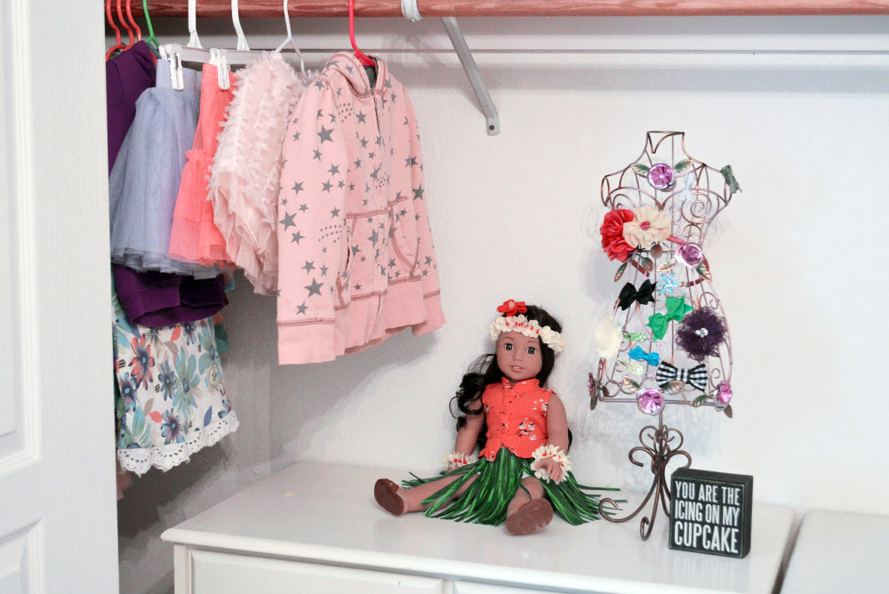 Clean out and Declutter Clothing Closets - Mommy Scene