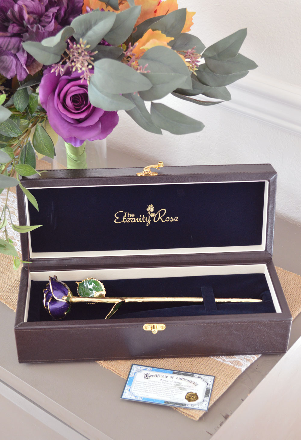 Eternity Rose 24k gold dipped blooms come in a gorgeous display box - Mommy Scene