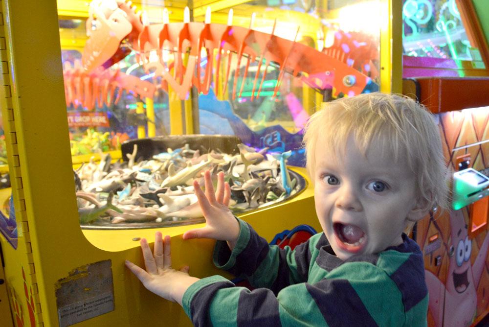 Tukwila Family Fun Center dinosaur claw game - Mommy Scene