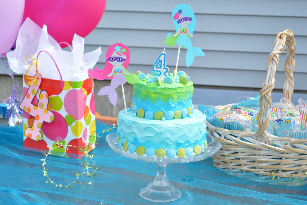 Easy tiered Birthday Cake for kids parties