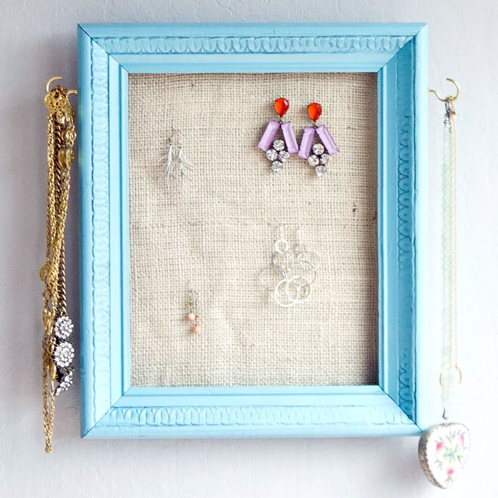 Easy DIY Picture Frame Jewelry Holder