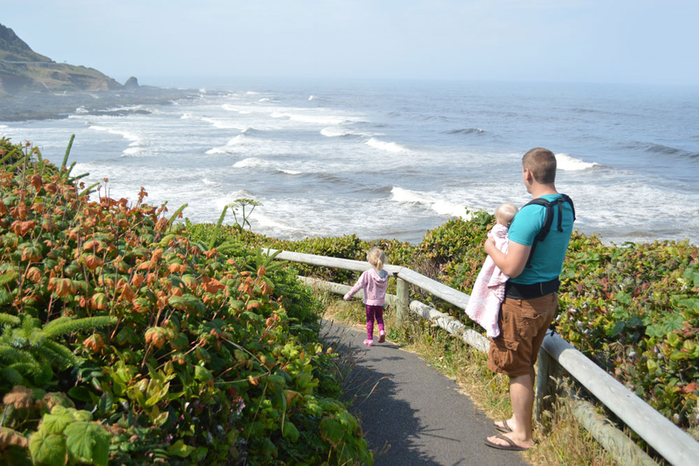Oregon coast family hike with young children - Mommy Scene