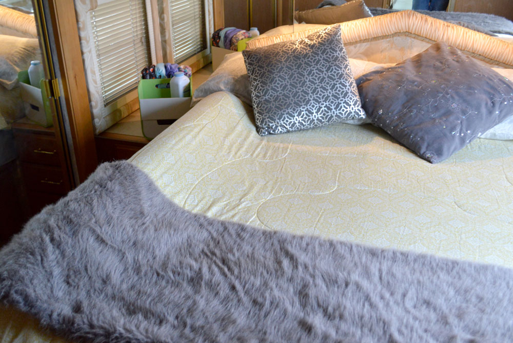 Traveling with kids in a RV motorhome - The Shrunks portable bed rail