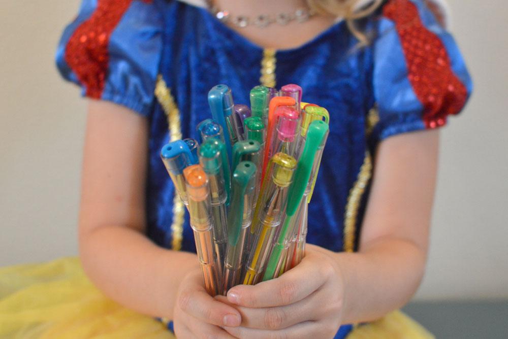 Glittery Colored Gel Pens set - Mommy Scene