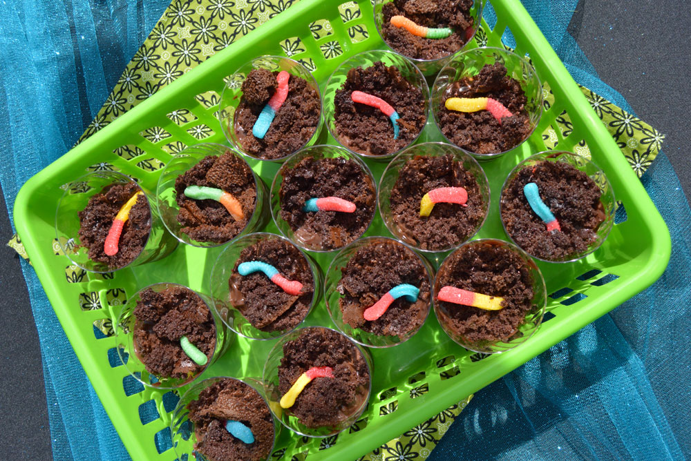 Fun Dirt Cup kids' party treats