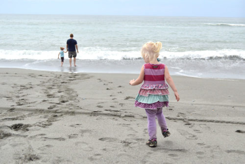 Water safety tips for the lake, beach, and pool - Mommy Scene