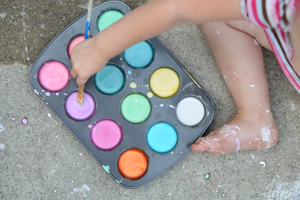 Fun sidewalk chalk paint kids activity