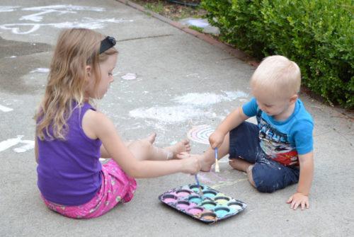DIY sidewalk chalk paint - Mommy Scene