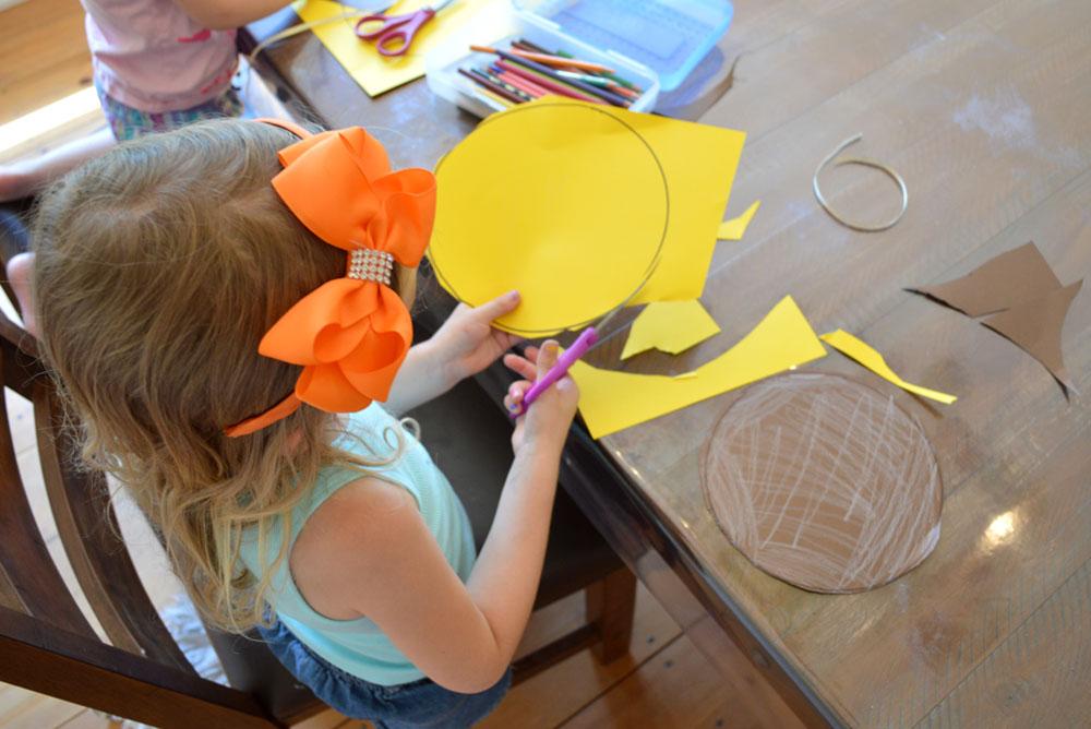Solar Eclipse kids craft - Mommy Scene