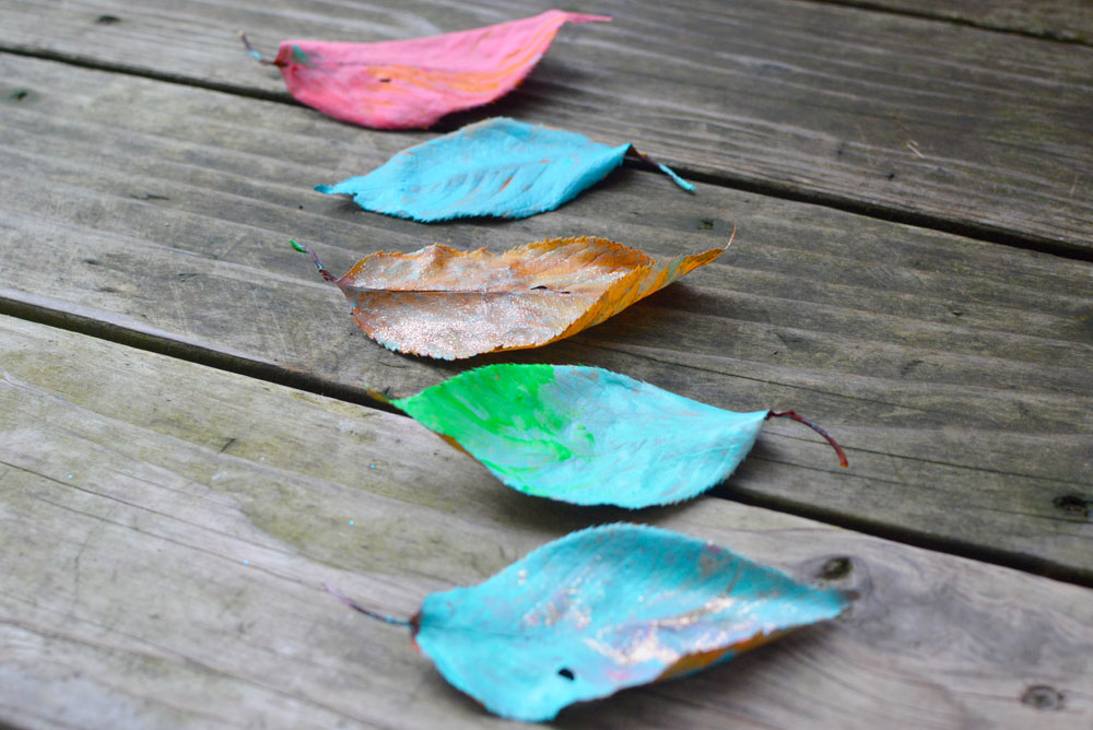 Easy Leaf Painting Craft Project for Kids