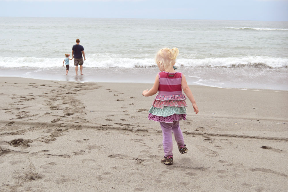 Pros and Cons of Taking Your Kids On Vacation