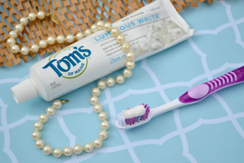 Easily Whiten Your Teeth with Tom's of Maine Toothpaste - Mommy Scene Natural Hygiene Tips