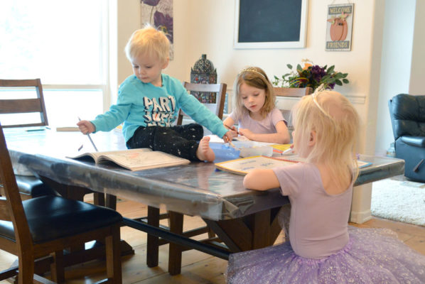 How to Entertain a Toddler During Homeschool