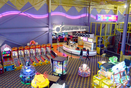 Tukwila Family Fun Center arcade - Mommy Scene