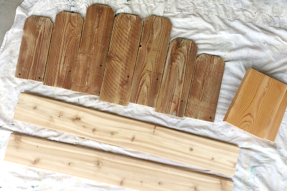 Easily make a DIY Wooden Fence Board Bench
