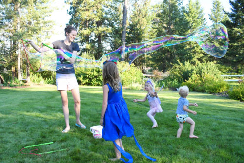 Interactive kids learning activities - WOWmazing bubble wands