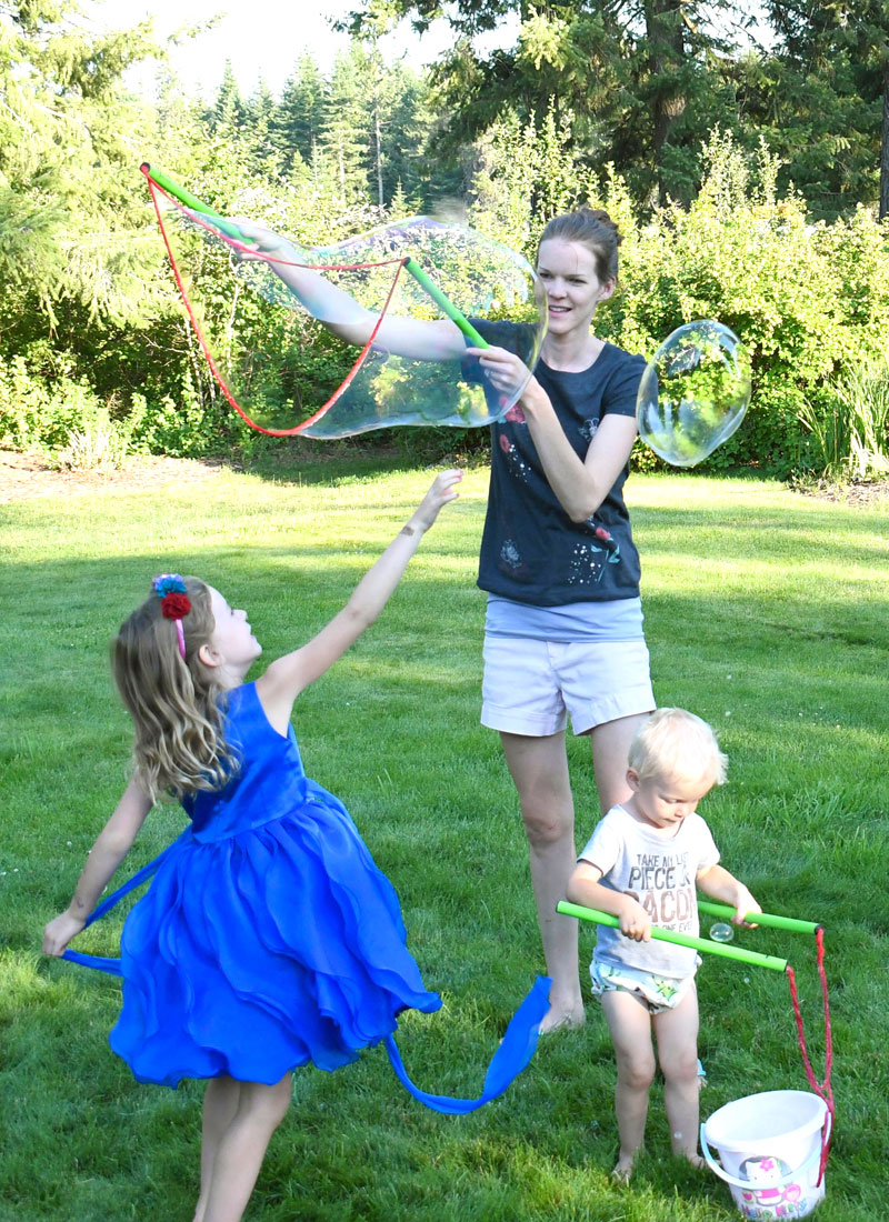 Fun and Interactive kids learning activities - WOWmazing bubble wands