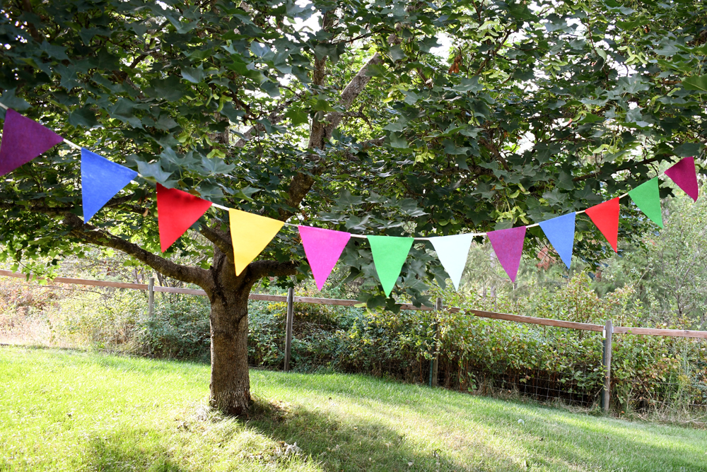 Easy DIY Felt Pennant Banner Craft