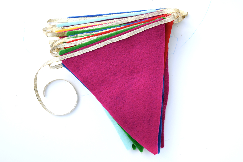 Make your own colorful felt pennant banner