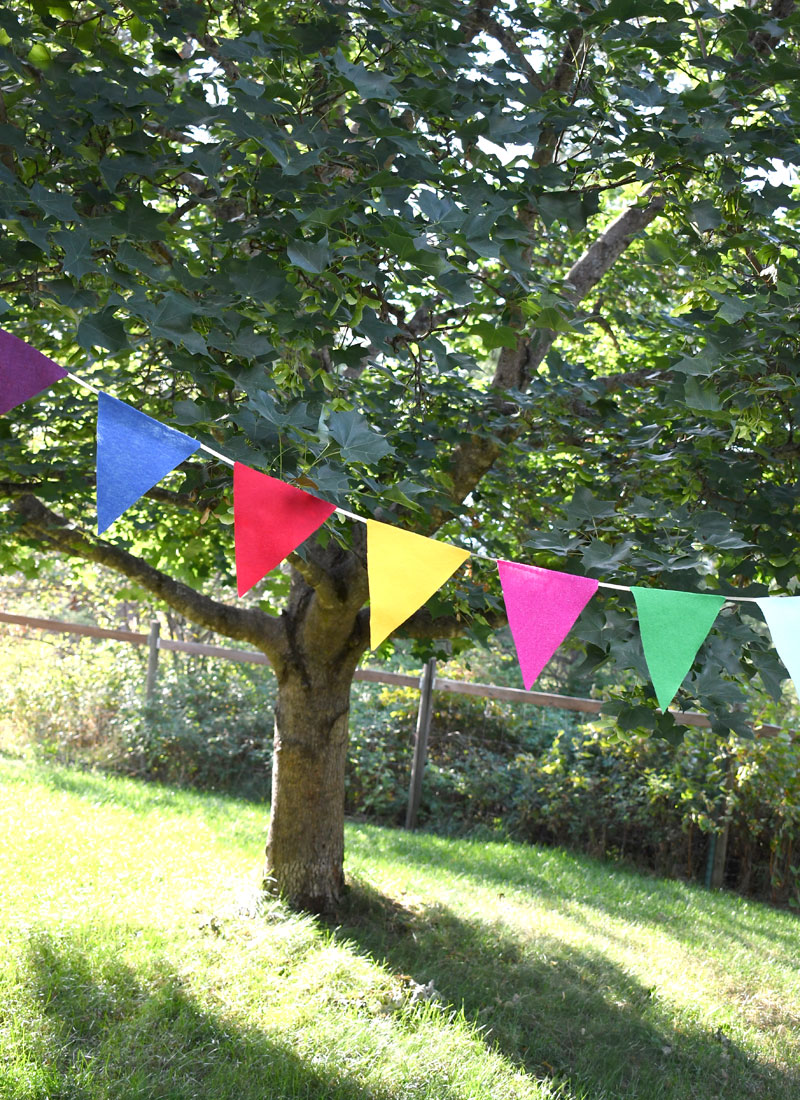 Design your own DIY felt pennant banner