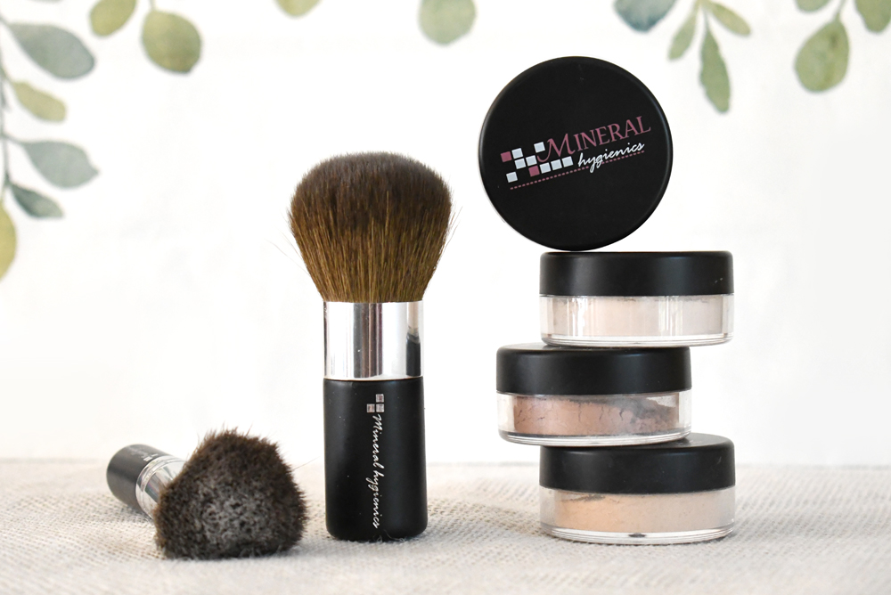Mineral Hygienics finishing powder and natural makeup