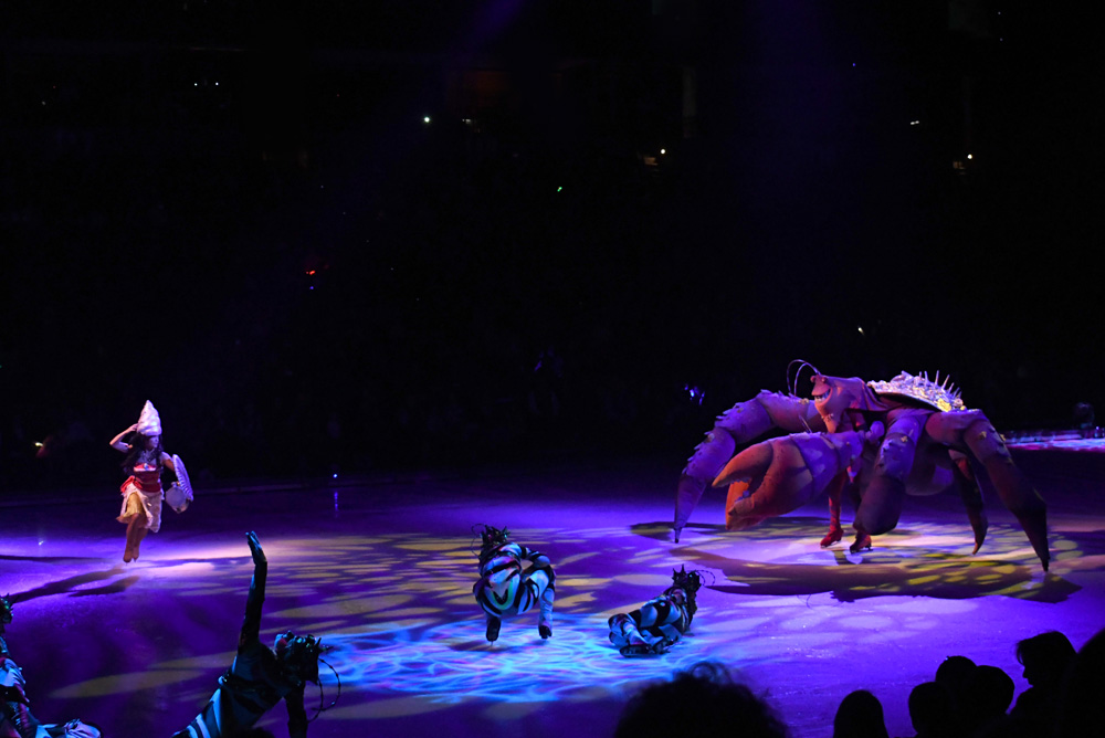 Disney On Ice Dare to Dream - Moana and Tamatoa the Crab