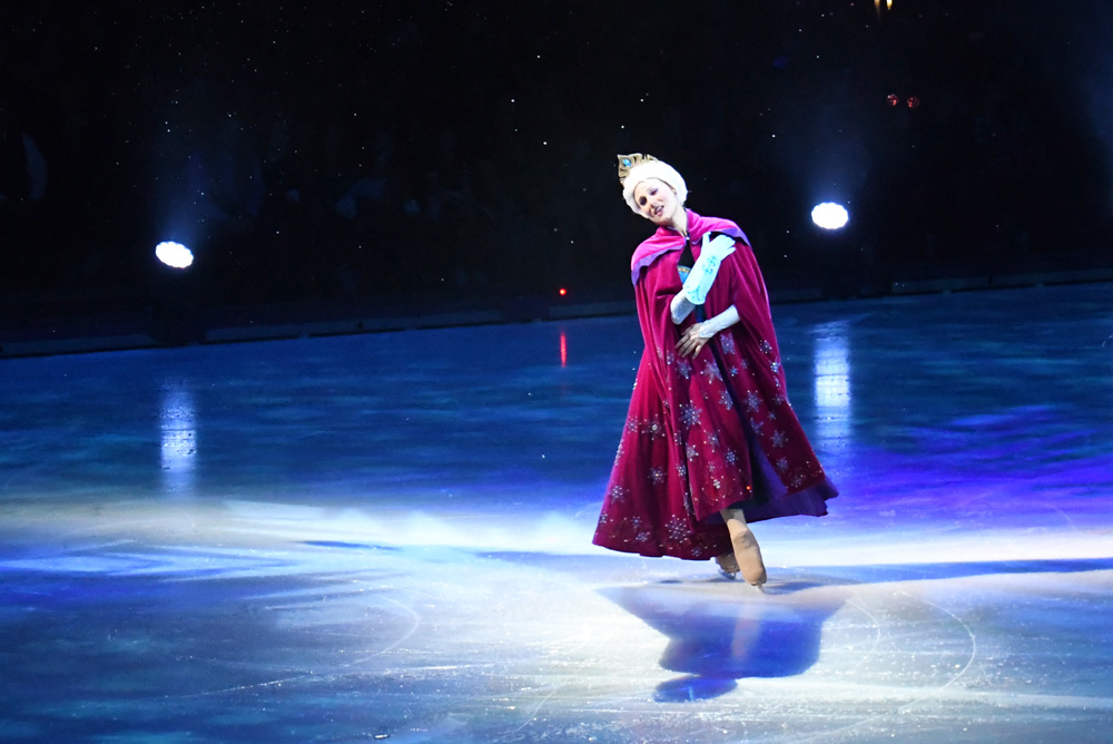 Disney On Ice Dare to Dream - Princess Elsa