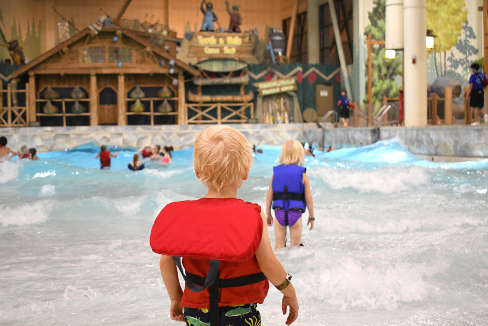 Great Wolf Lodge Grand Mound water park wave pool