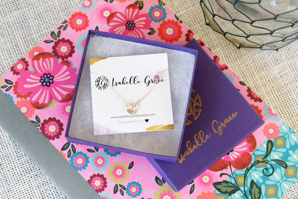 Gorgeous Personalized Jewelry gift ideas for moms